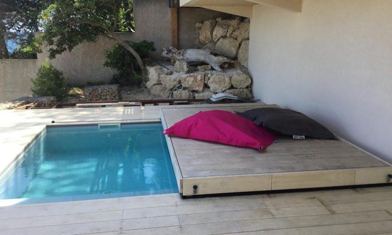 Je sécurise et protége mon bassin avec ma terrasse mobile DIBLUE sans perdre d'espace de vie.